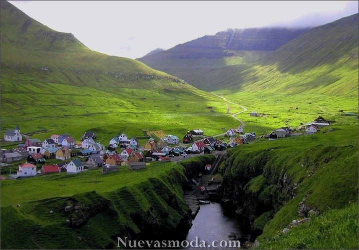 The village Gjógv