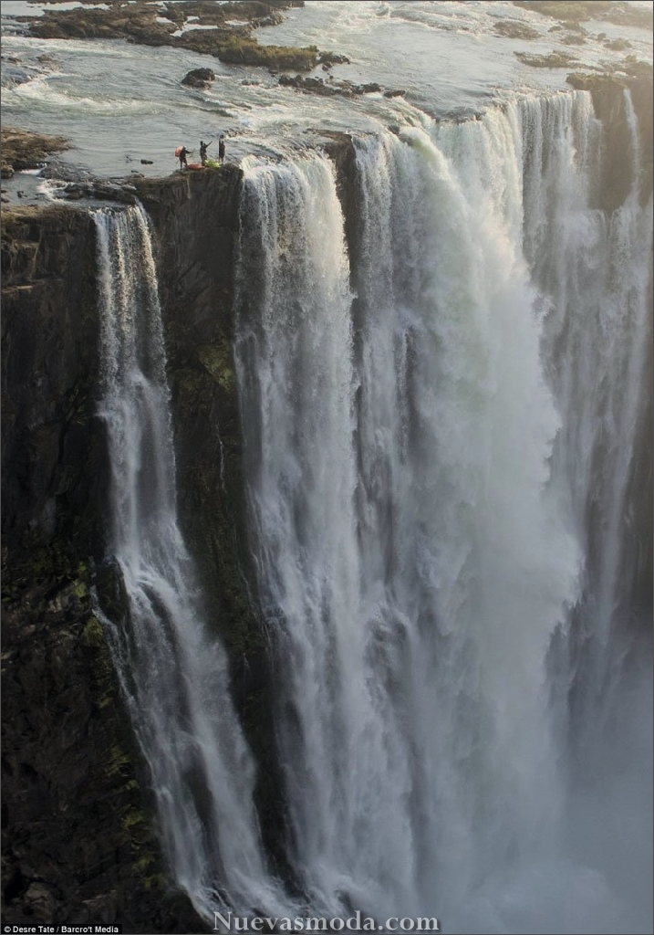 kayakers on victoria falls