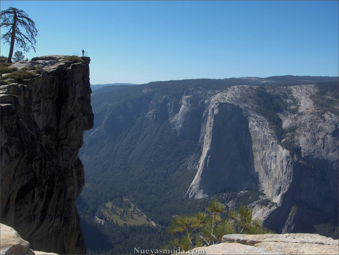Taft Point at Yosemite National Park, USA