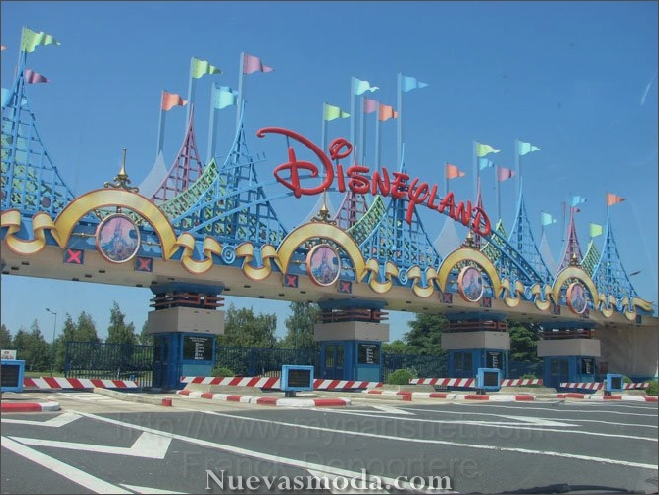 Disneyland Theme Park - Paris monuments