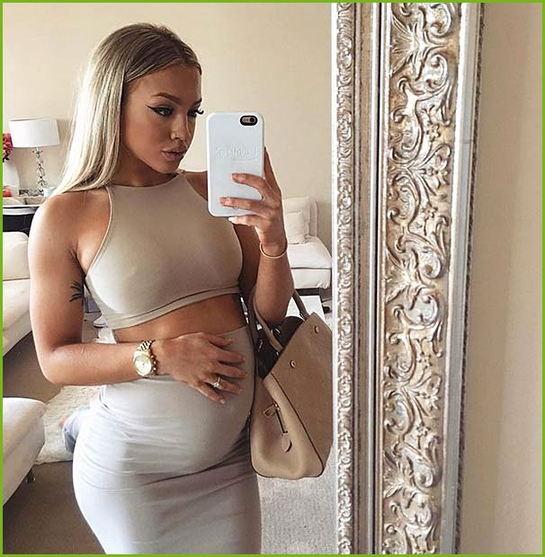 Chic Two Piece Pregnancy Outfit