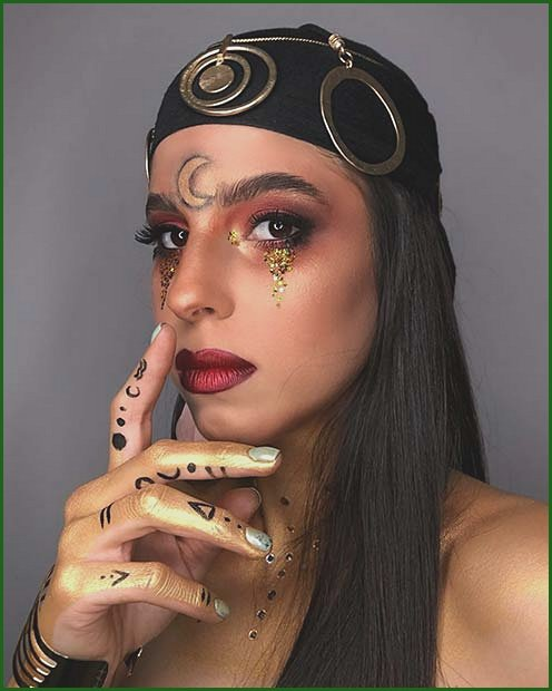 Glam and Gold Witchy Fortune Teller