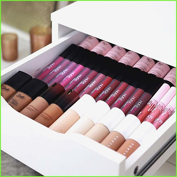 Neat and Compact Makeup Drawers