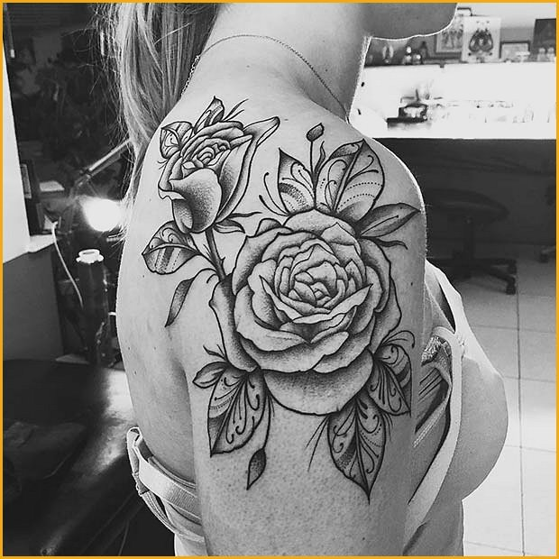 Big Roses with Patterned Leaves