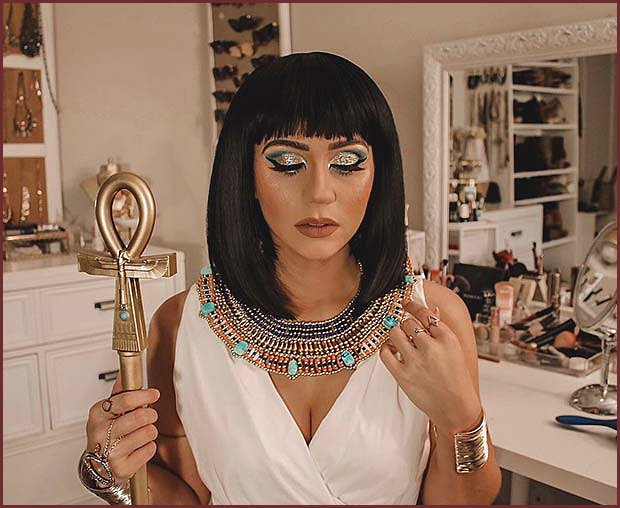 Cleopatra Makeup and Costume Idea