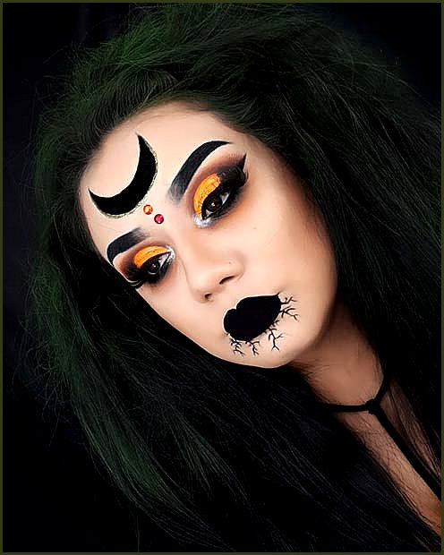 Simple Witch Makeup with a Mystical Moon
