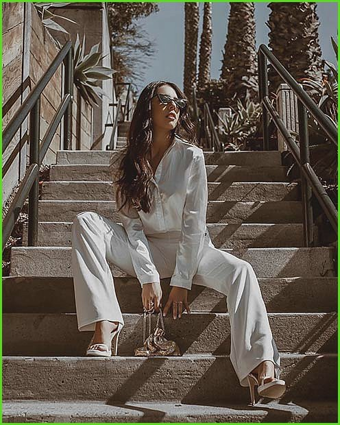 Stunning All White Party Outfit Idea